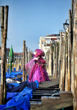 personal works laure jacquemin best venice carnaval photography (43).jpg