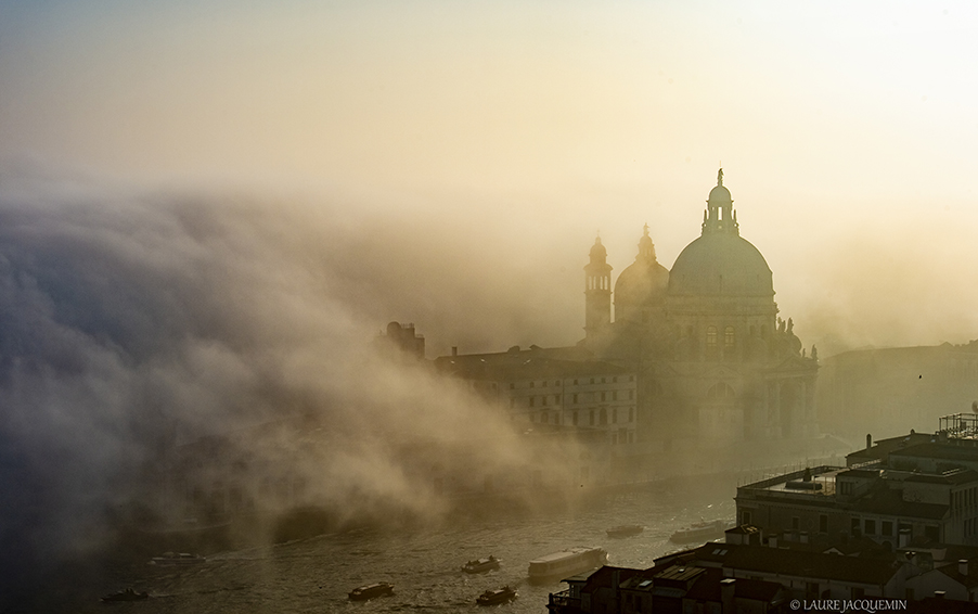 photography of venice under the fog (14)