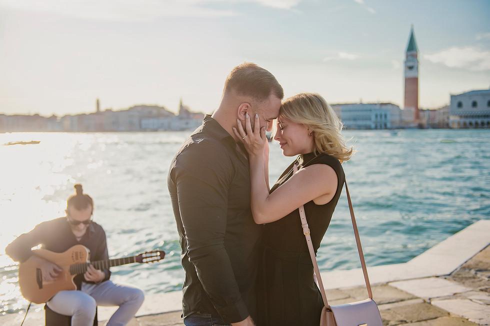 venice-wedding-proposal-photographer (17).jpg