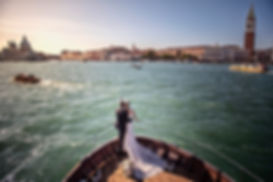 symbolic-wedding-venice-italy-in-boat-da