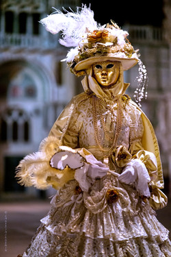 personal works laure jacquemin best venice carnaval photography (70).jpg