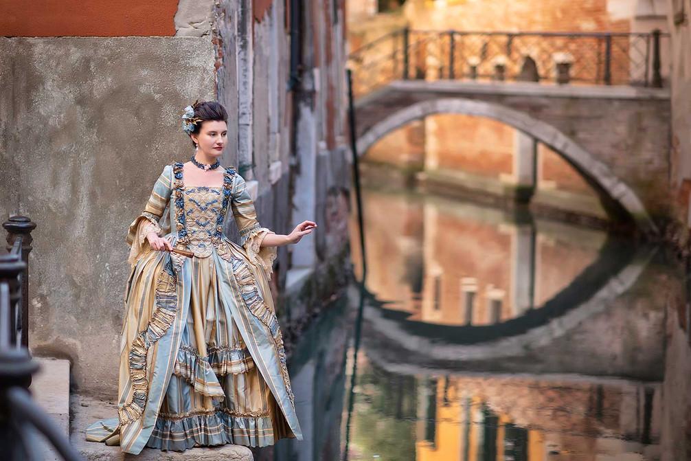venice-model-carnival-photography (31).j