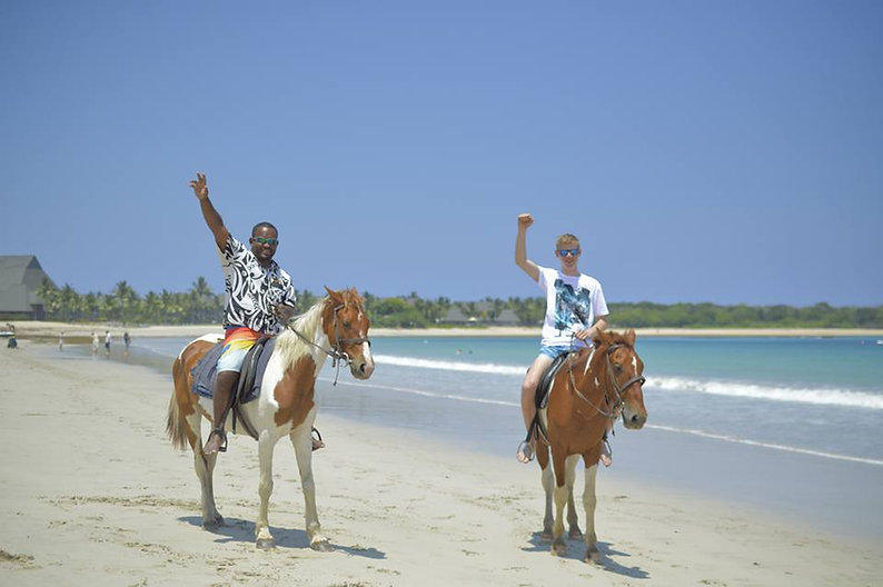 The Authentic Beach Horse Riding Experin | Mick's Fiji Tours