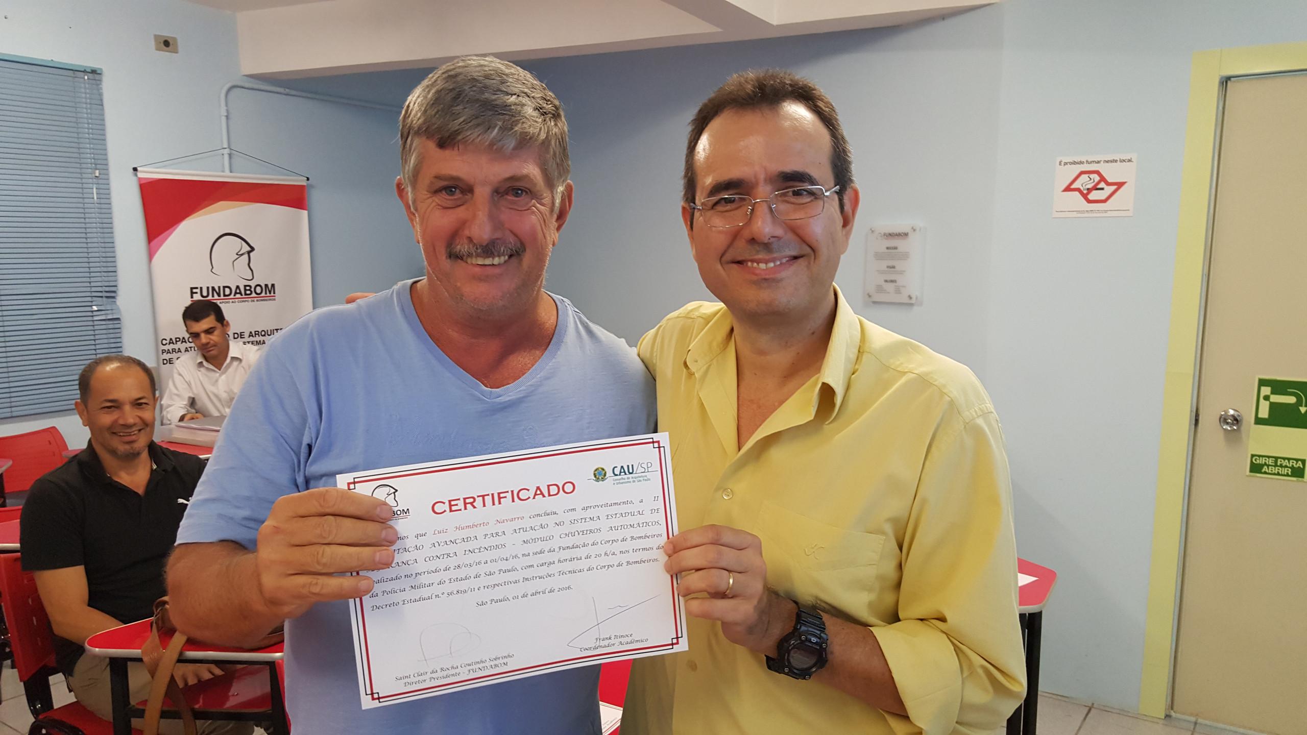 Entrega de Diploma ao Cel Navarro