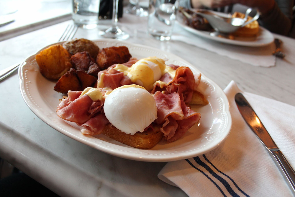 Oeuf poche Avert Brasserie West Hartford Brunch
