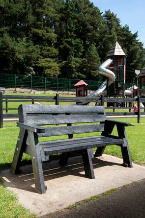 Ecoplastic bench