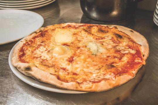 ristorante_la_rotonda_pizzeria_pizza_qua
