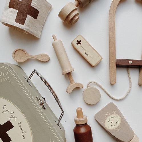 Konges Sløjd - Holzspielzeug Arztkoffer