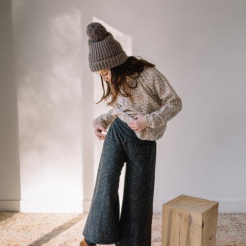 búho barcelona - Pom Pom Soft Knit Hat wood