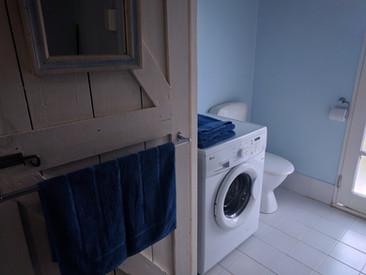 Seaspray laundry toilet