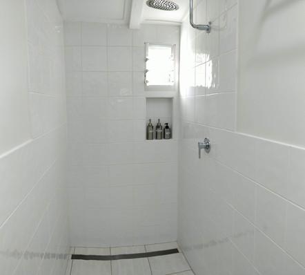 Standard/ Economy Bathroom