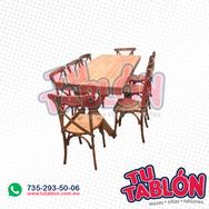 silla madera con mesa