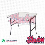 Mesa cuadrada 75x75 cm cubierta en fibra de vidrio