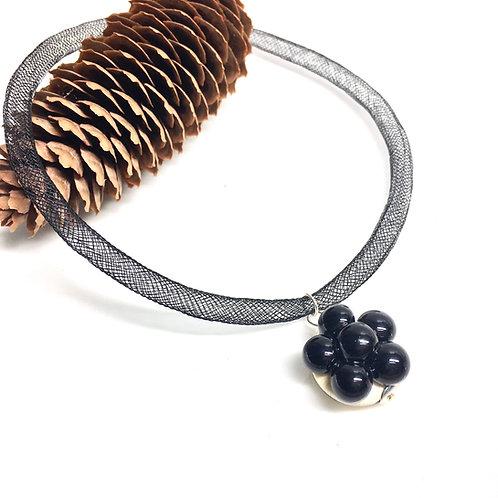 Halskette mit Bollenhut aus Glas, schwarz