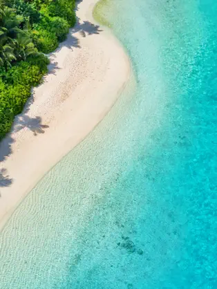 SURF THE MALDIVES ON A LUXURY YACHT