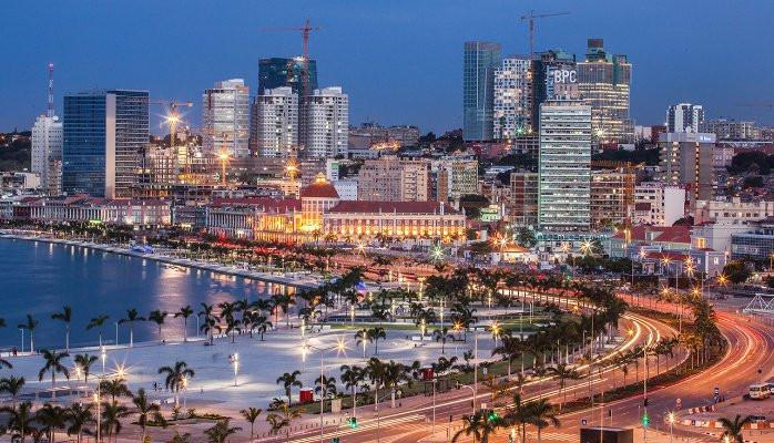 Desbravando Angola