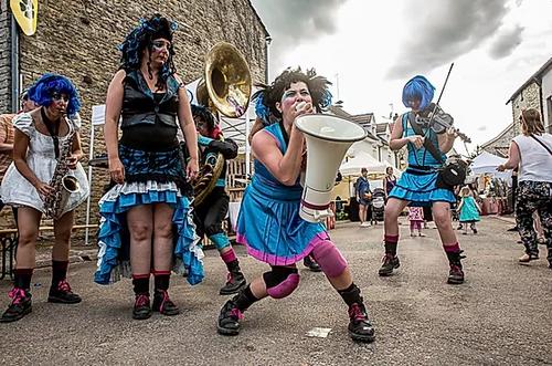 fanfare de filles de la region Rhone-Alpes Miss Trash