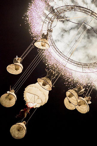 spectacle musicale aerien nocturne