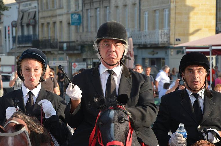 the horsemen spectacle theatre de rue