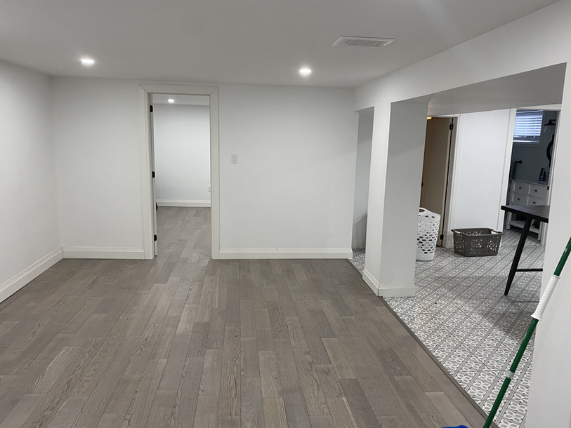 908basement_livingroom.HEIC