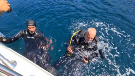 Marmara Adaları Hayalet Ağlar Projesi, dalgıçlar eşliğinde yapılan önçalışmalar neticesinde tespit edilen 25 lokasyonda gerçekleşiyor.