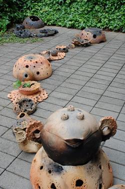 2008「土着∞」径40cm×∞、陶.JPG