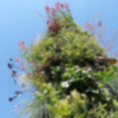 Le totem de la biodiversité aux Jardins