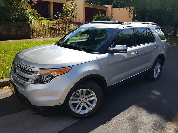 FORD EXPLORER LIMITED 4X4 AT DOBLE TECHO CUERO