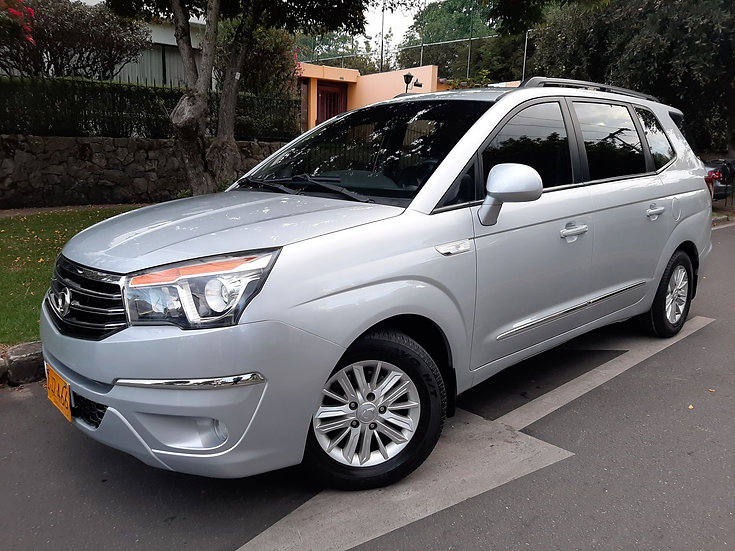 SSANGYONG RODIUS MT TURBO DIESEL 11 PASAJEROS FULL EQUIPO