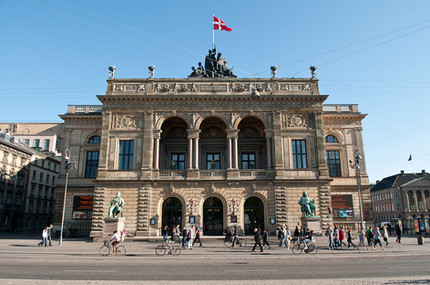 Central entre to the Danish Royal Theatre.