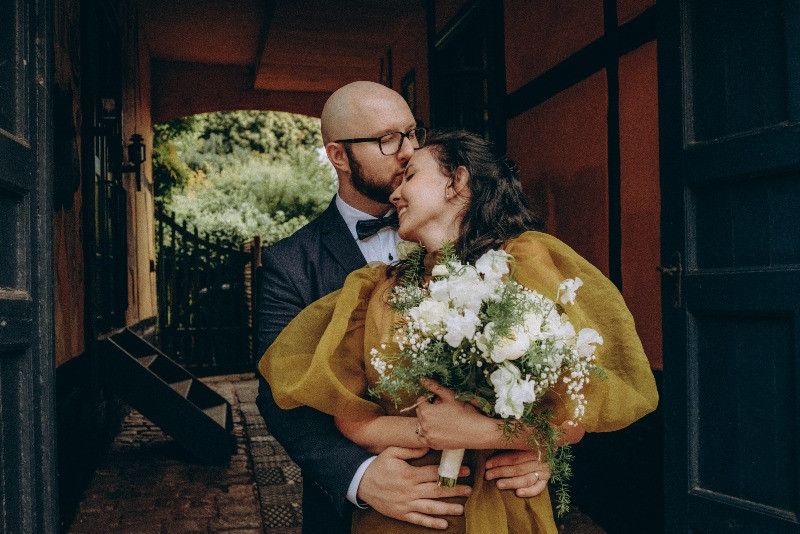 Just married couple in Maribo during their adventure elopement wedding