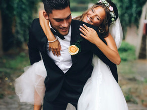 A New Trend in Wedding Traditions: Adventure Weddings and Elopements.