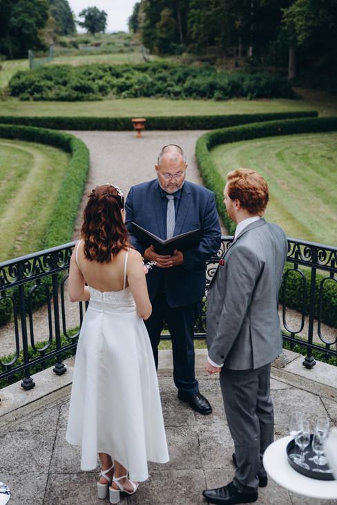 A castle wedding ceremony at Vindeholme manor in Denmark