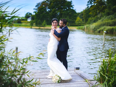 Hugging by the Maribo Lake, this couple made the beautiful Maribo Nature Park their destination wedding venue.