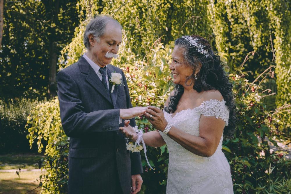 Exchanging rings at the senior wedding in Denmark