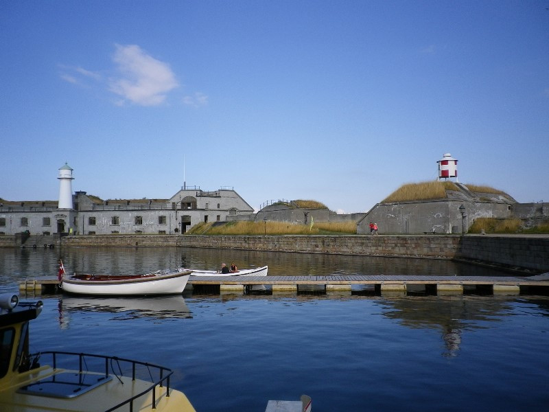 A little harbor in the fort where you can have unique wedding venue
