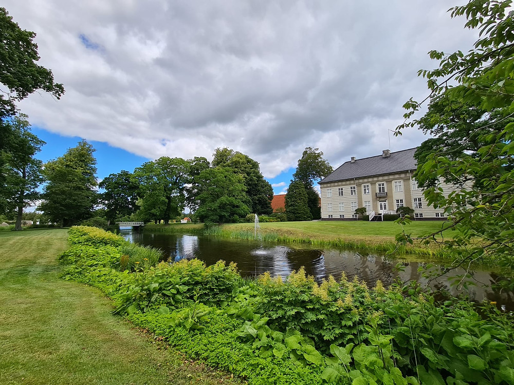 A view to the Corselitze mannor house, the place for your wedding in Denmark