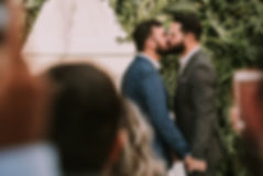 gay-couple-kissing-each-other