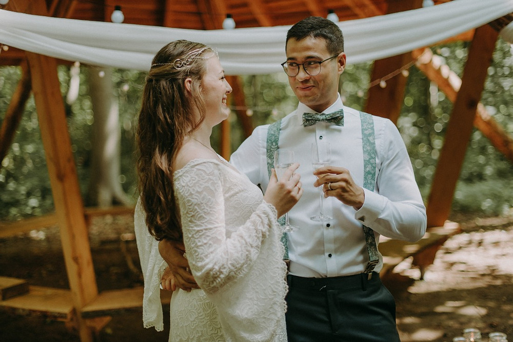 Elopement abroad must be unique and memorable for the couple.