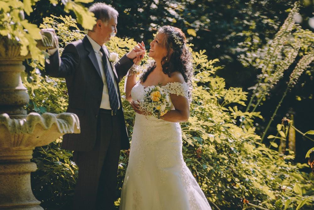 A couple dancing in the botanical garden perfect wedding venue in Denmark