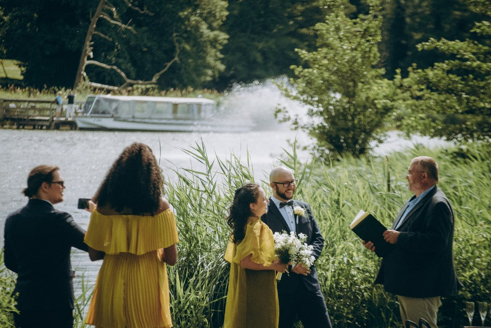 Wedding ceremony by the Maribo lake- a nice place for your elopement wedding abroad