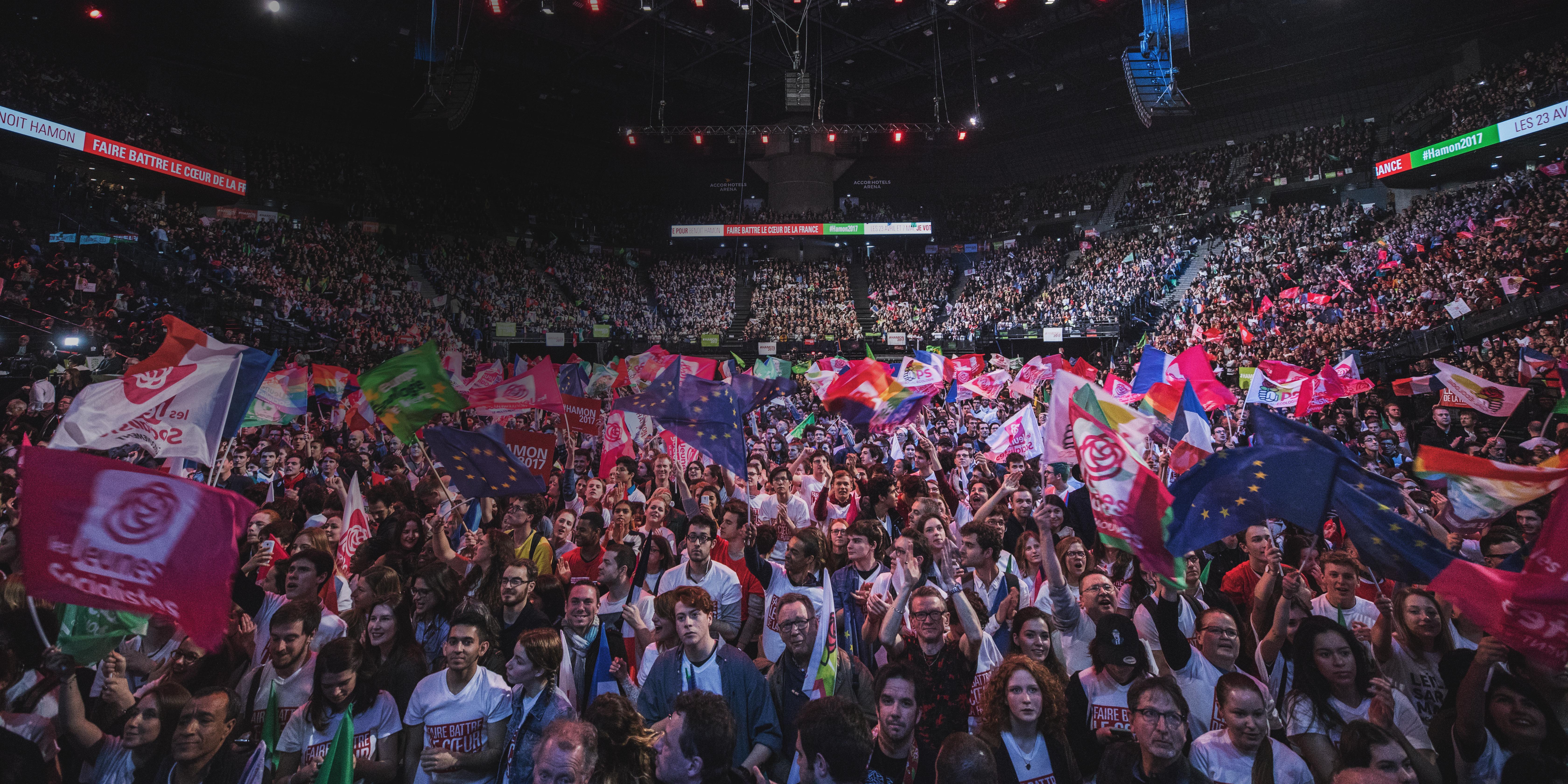 hamon, meeting, jeunes, socialistes