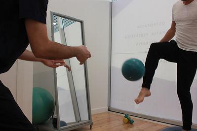 Fisioterapia Lisboa Parque das Nações entorse tibio társica tornozelo bosu