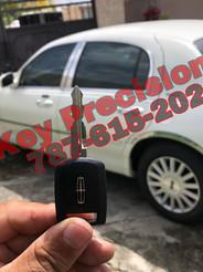Lincoln TownCar del 2003 con llave perdida. Servicio a domicilio en el pueblo de Mayagüez.