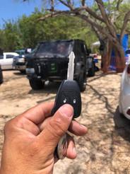 Jeep Wrangler. Llave perdida en Playa Los Pozos, Cabo Rojo.