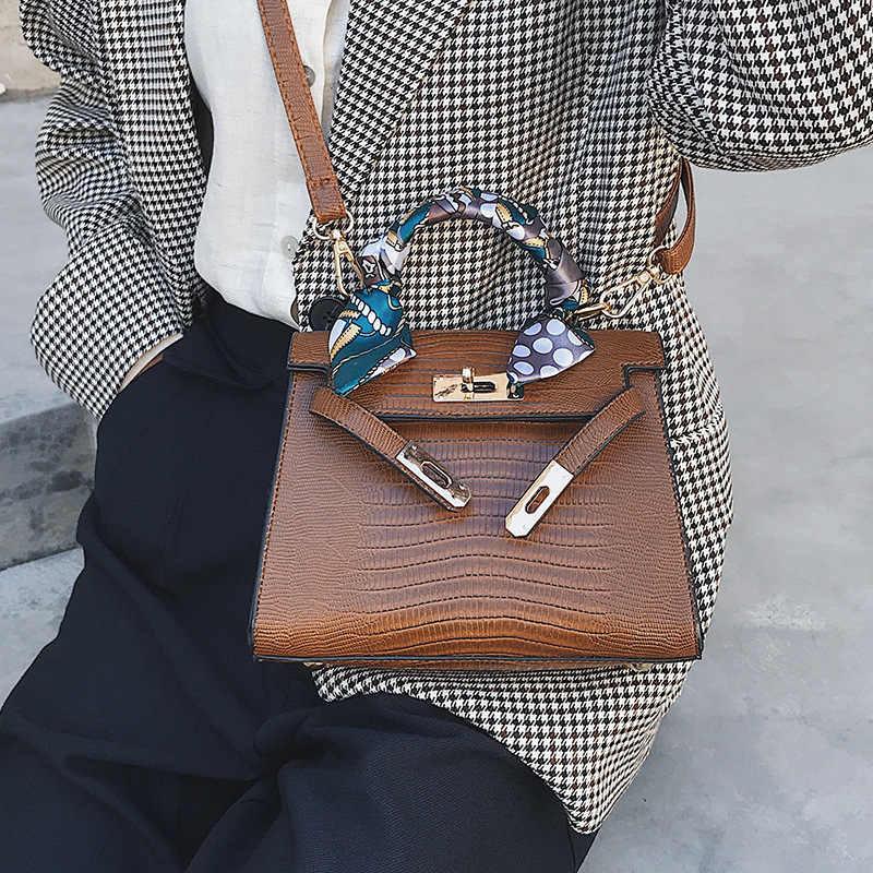 Scarf accessory