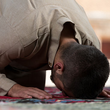 Muslim%20Man%20Praying_edited.jpg