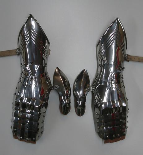 High Gothic Mittens