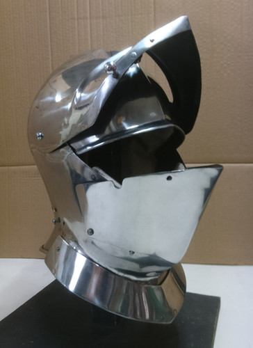 English Closehelm