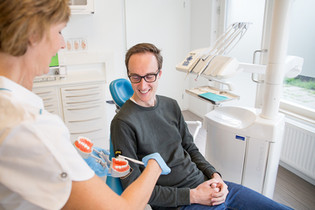 Uitleg Mondhygienist Mondzorg Sterrenburg